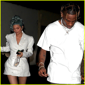 Kylie Jenner Rocks Her Blue Hair on NYE with Travis Scott!