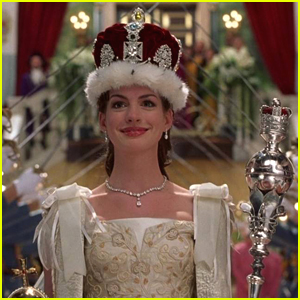 Princess Mia Thermopolis Updates Fans On 'Princess Diaries 3' Movie