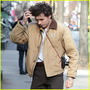 Brooklyn Beckham Hangs Out With Mom Victoria in the Big Apple!