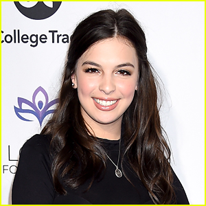 Isabella Gomez Opens Up About The Responsibility of Playing a Latinx Queer Character on 'One Day at a Time'