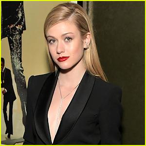Katherine McNamara Dishes On Mia's Big Reveal on 'Arrow'