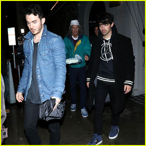 Joe & Kevin Jonas Grab Dinner Together in WeHo!