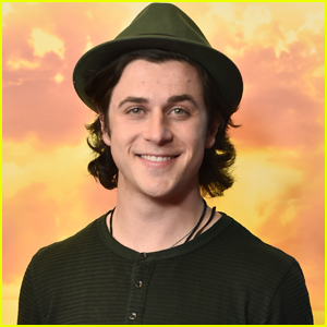 David Henrie Reveals Name of Daughter Ahead of Her Birth!