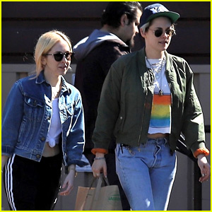 Kristen Stewart Steps Out with Sara Dinkin for Grocery Run