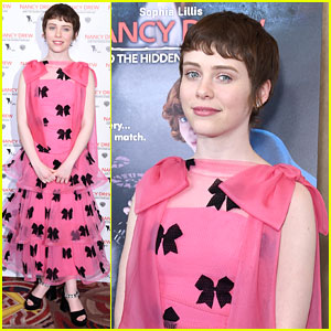 Sophia Lillis Is Pretty In Pink at the 'Nancy Drew & The Hidden Staircase' Premiere