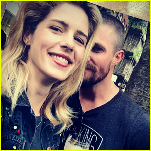 Stephen Amell's Daughter Sings Emily Bett Rickards A Song On Her Final Day of Filming 'Arrow'