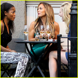 Lili Reinhart & Keke Palmer Share a Laugh While Filming 'Hustlers'