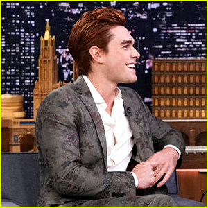 KJ Apa on 'Riverdale' Dad Luke Perry: 'I Wish I Could Be Like That'
