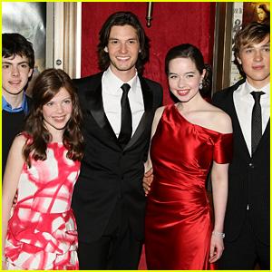 Ben Barnes Reunites With Anna Popplewell & More 'Narnia' Stars For Dinner