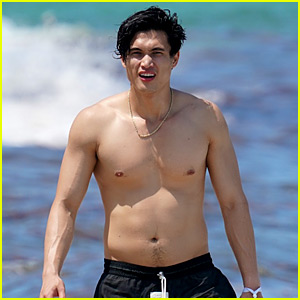 Charles Melton Shows Off Hot Body in Miami!