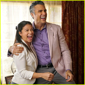 Jane Discovers A Big Secret About Her Book on 'Jane The Virgin' Tonight