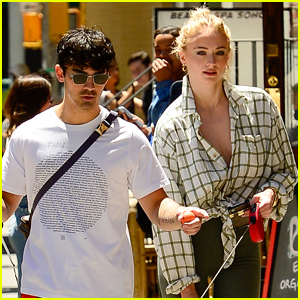 Joe Jonas, Sophie Turner, & Their Dogs Enjoy the Sunny NYC Weather!
