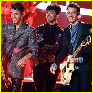 Jonas Brothers Give Explosive 'Sucker' Performance at Billboard Music Awards 2019 - Watch Now!
