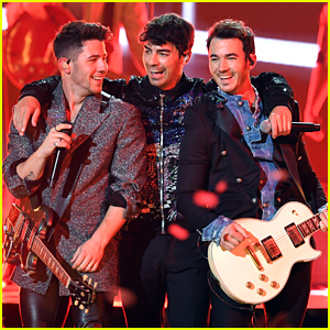 Jonas Brothers Announce Verified Fan Tickets for Their Happiness Begins Tour