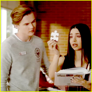 Ava & Zach Try To Tolerate Each Other While Working on a School Project Together on 'The Perfectionists'