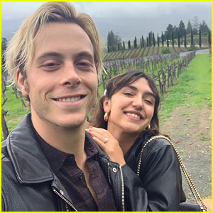 Riker Lynch & Savannah Latimer Chosen as 'Brides' Magazine's 'Brides Live' Wedding!