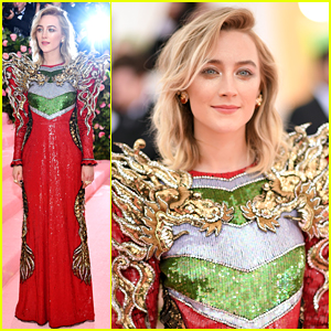 Saoirse Ronan Stuns in Red Gucci Gown For Met Gala 2019