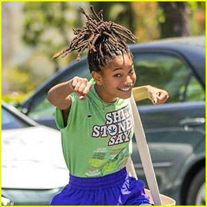 Willow Smith Goofs Off For Paparazzi After Lunch