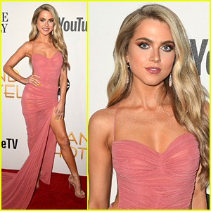 Anne Winters Stuns at 'Grand Hotel' Premiere in Miami