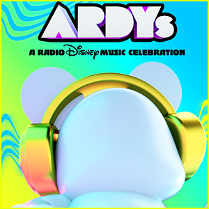 Sofia Carson, Meg Donnelly & Gabby Barrett Share Excitement For This Weekend's 'ARDYs'