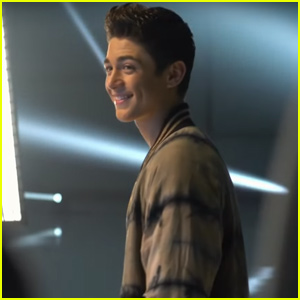 Asher Angel Goes Behind-the-Scenes 'One Thought Away' Music Vid - Watch!