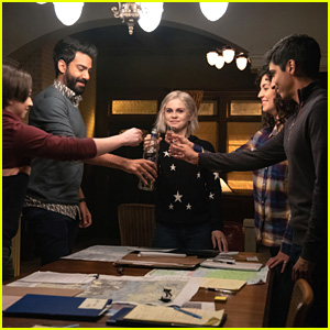 Liv Plays Matchmaker For Someone Unexpected on 'iZombie'