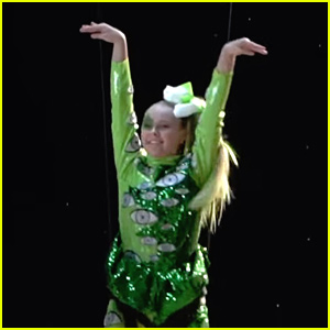 JoJo Siwa Shares Behind The Scenes Of New Music Video For '#1U'