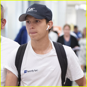 Tom Holland Lands In NYC After London Press Tour