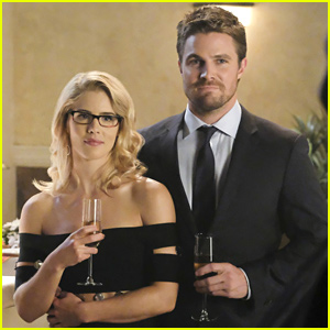 Stephen Amell Really Misses Emily Bett Rickards on the 'Arrow' Set
