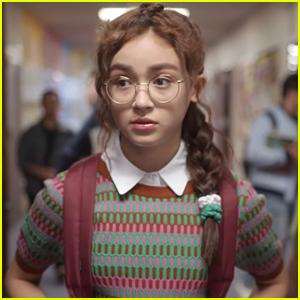 Anna Cathcart Stars In 'Zoe Valentine' Season 2 Trailer - Watch Now!