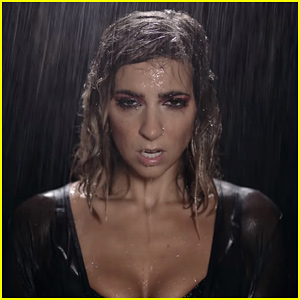 Gabbie Hanna Gets Soaked In 'Pillowcase' Music Video - Watch Now!