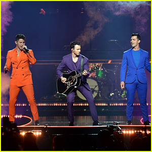 Jonas Brothers Kick Off 'Happiness Begins' Tour - Check Out the Set List!