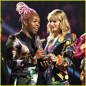 Taylor Swift's Video Co-Stars Join Her at VMAs 2019 to Accept Awards!