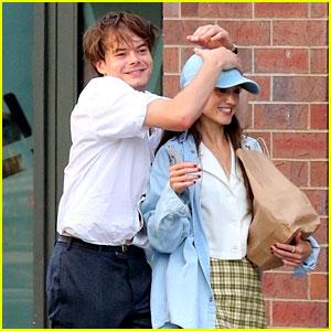 Natalia Dyer & Boyfriend Charlie Heaton Are So Cute in These Candids!