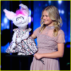 Darci Lynne Farmer & Petunia Return To 'AGT' Stage - Watch Their Performance Here!