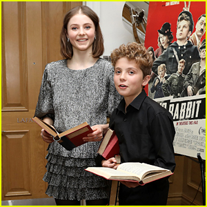 Thomasin McKenzie & Roman Griffin Davis Do Their Reading at 'Jojo Rabbit' Screening!