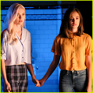 Hope & Lizzie's Secrets Could Get Them In Trouble On 'Legacies'