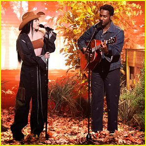 Noah Cyrus Performs 'July' With Leon Bridges on 'The Tonight Show'