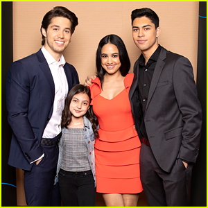 'Party of Five' Stars React To Seeing The Show's Billboard in Times Square