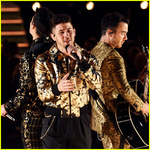 Jonas Brothers Surprise Fans With New Song 'Five More Minutes' at Grammys 2020
