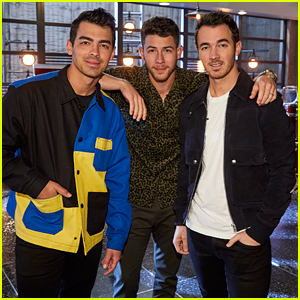 Kevin & Joe Jonas Will Be Nick Jonas' Battle Advisors on 'The Voice'