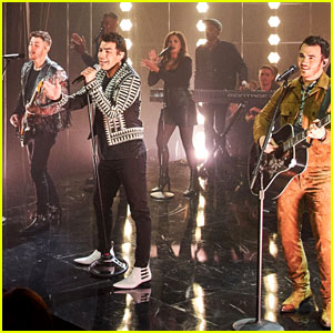 Jonas Brothers Perform Their Hot New Song 'What a Man Gotta Do' for 'Corden'