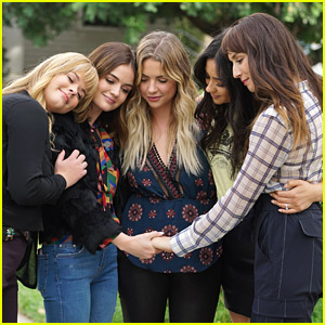 'Pretty Little Liars' Returning To Streaming - Find Out Where!