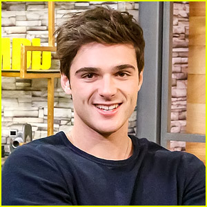 Jacob Elordi Dishes On The Actors That He's Obsessed With
