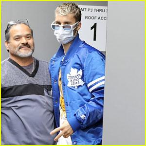 Justin Bieber Visits a Doctor's Office in a Face Mask