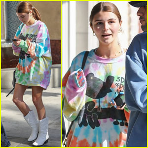 Olivia Jade Meets Up With Friends For Lunch in LA