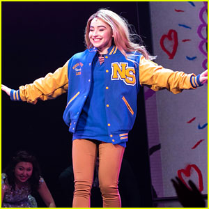 See Photos & Video from Sabrina Carpenter's First Show in 'Mean Girls' on Broadway!