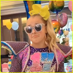 JoJo Siwa Turns 17 with JoJo Siwa-Themed Birthday Party!