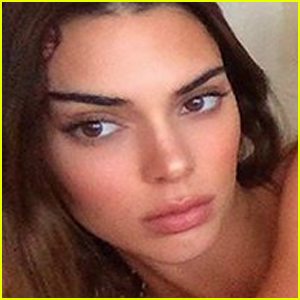 Kendall Jenner Strikes a Pose in Lingerie & Kylie Jenner Reacts!