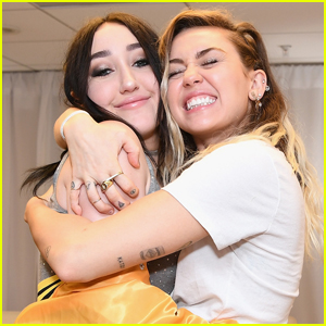 Noah Cyrus Reveals She Struggled Growing Up as Miley Cyrus' Little Sister